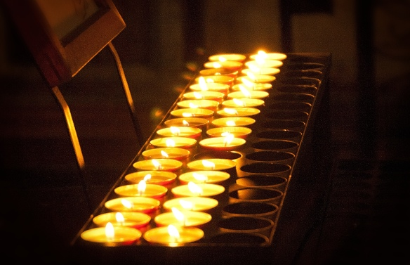 candles faithful